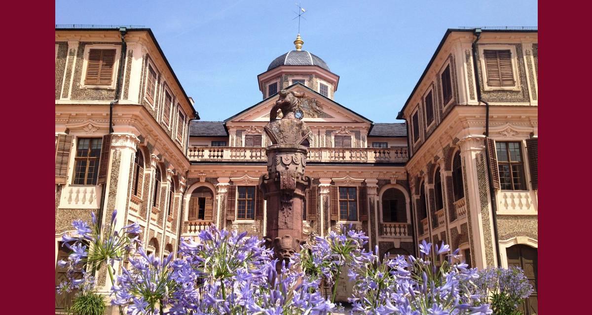 Schloss Favorite Rastatt aus Winterschlaf erwacht