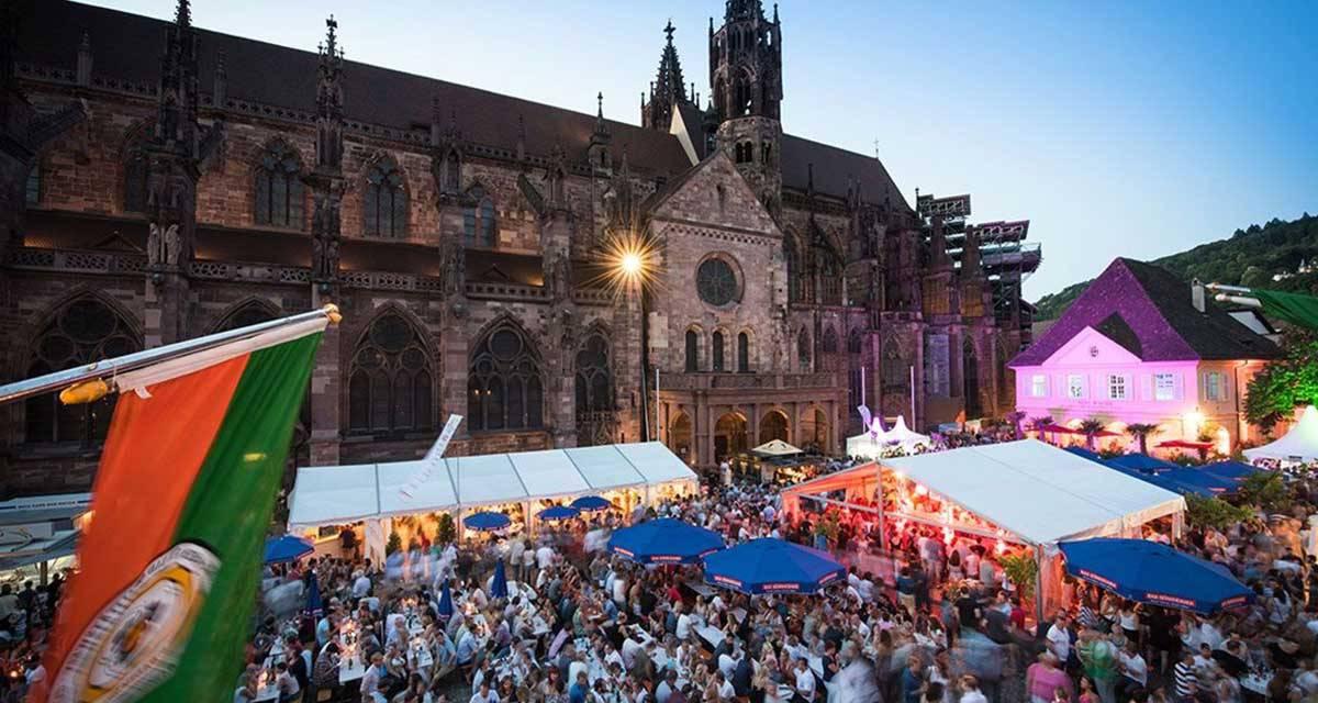 Freiburger Weinfest - größte Probierstube Südbadens