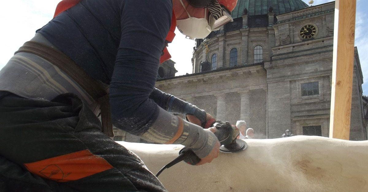 Top-Bildhauer in St. Blasien: Aus Holz werden Kunstwerke